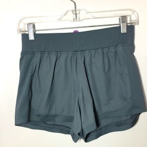 Athletha shorts XS Gray Back Pocket